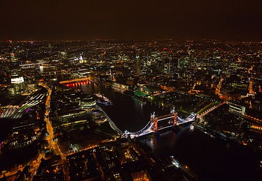 London_at_Night_2012-05-16-002